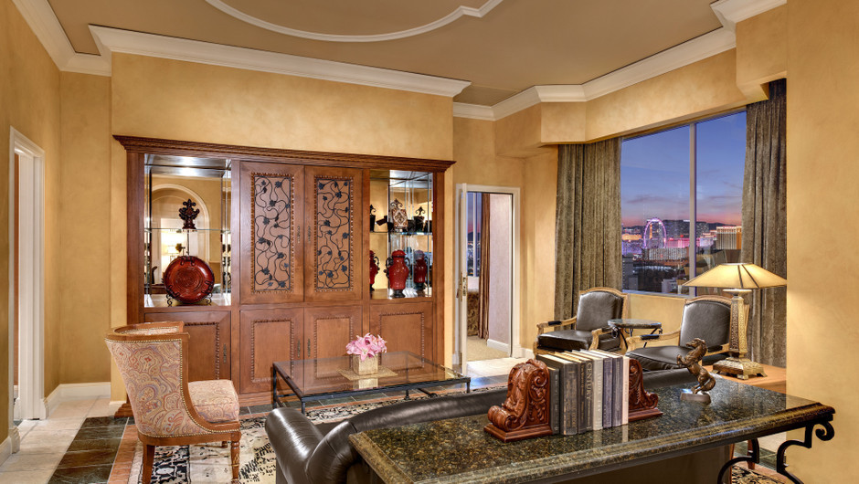 The Napa Suites at Westgate Las Vegas feature 2 bedrooms, 2 ½ baths, and 58-inch, flat-screen cable TV with pay-per-view movies.