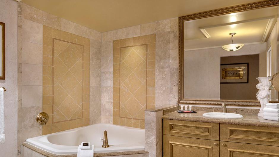 The Napa Suites Bathroom - Westgate Las Vegas