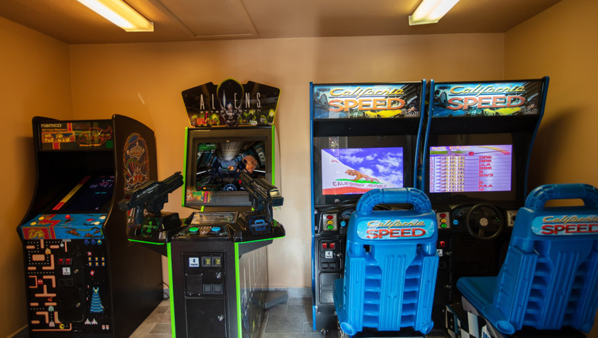 Game room at one of our leisure hotels near Seaworld Orlando FL | Westgate Leisure Resort | Westgate Resorts