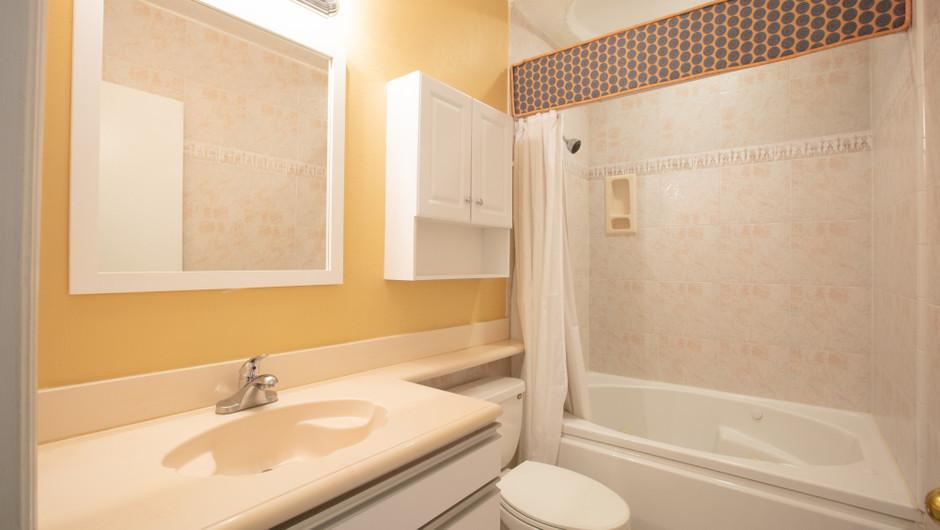Villa Bathroom - Harbour Beach Resort