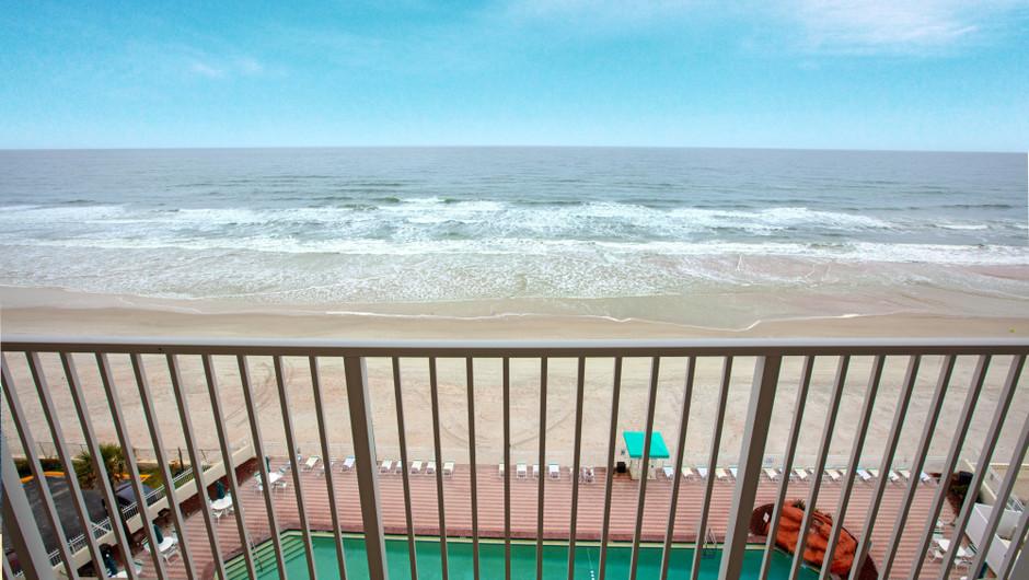 Balcony overlooking the beach - Harbour Beach Resort