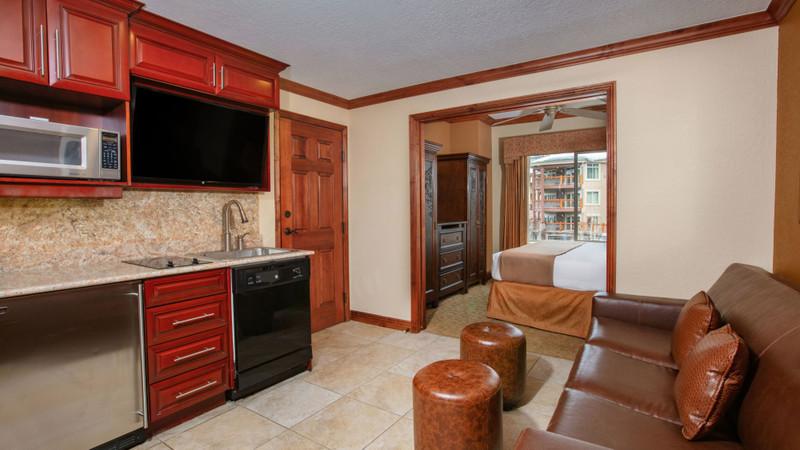 Accommodation Option -luxury-suite