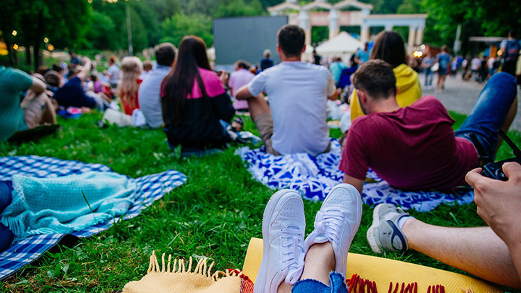 Movies Under The Stars | The Ultimate Guide to Free Outdoor Movies in NYC for 2019