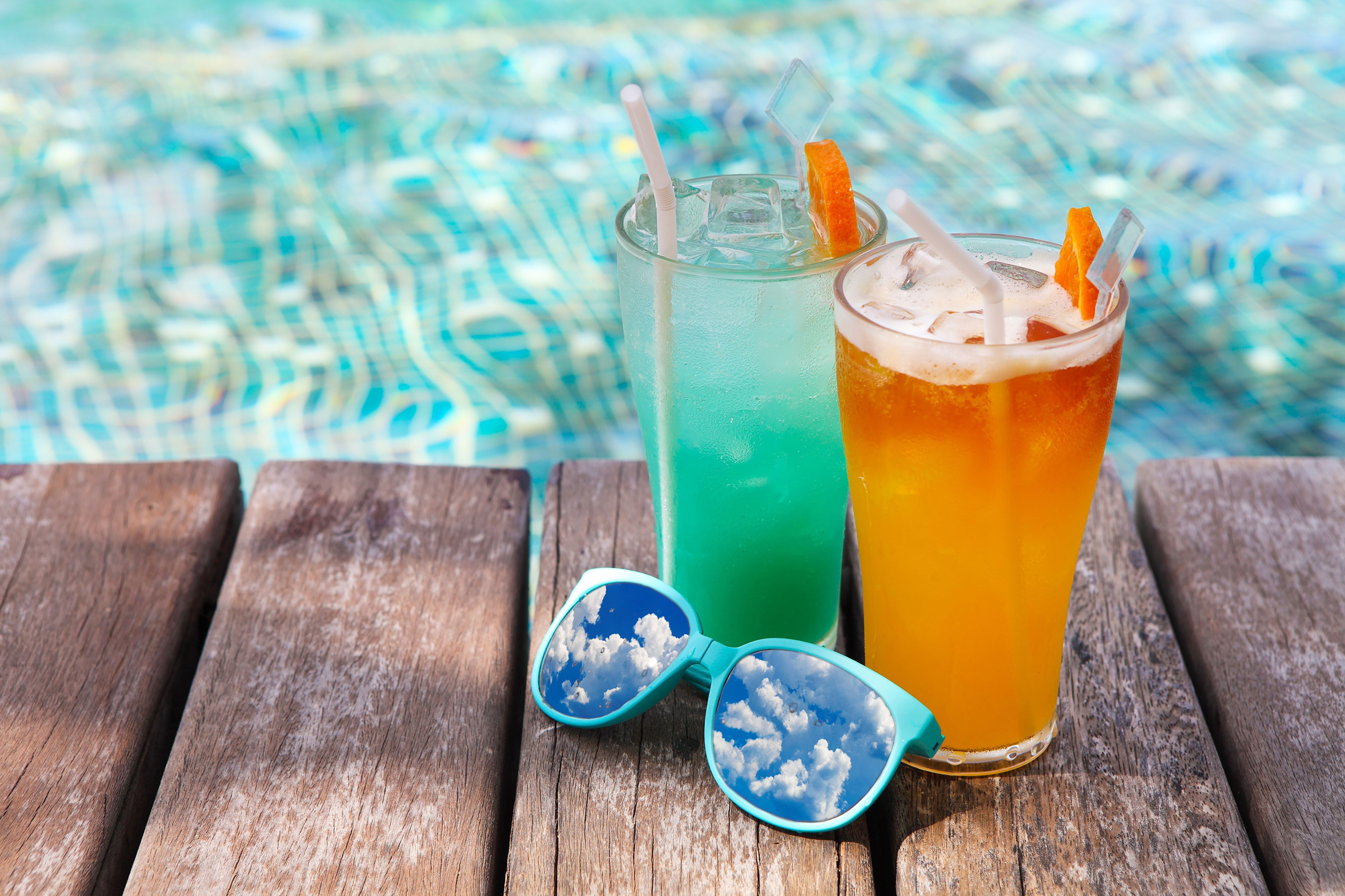 A Refreshing Mountain Top Pool Bar at Westgate Smoky Mountain Resort & Spa | Specialty Drinks