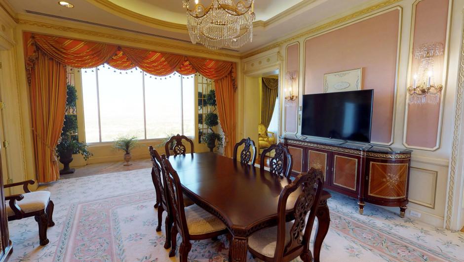 Dining room in the Ambassador Villa - Westgate Las Vegas Resort & Casino