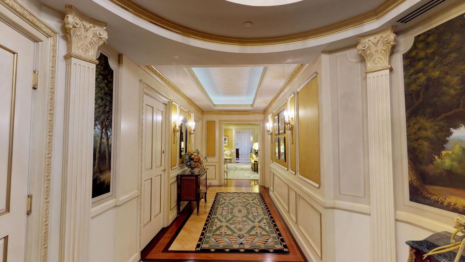 Hall area in the Ambassador Villa - Westgate Las Vegas Resort & Casino