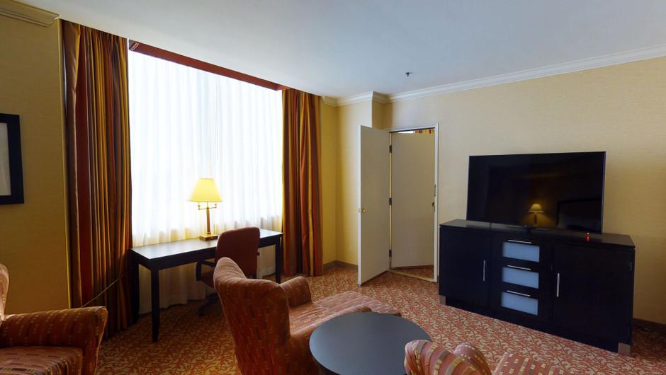 East Tower Parlor room - Westgate Las Vegas Resort