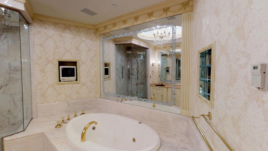 Windsor Studio suite bathroom - Westgate Las Vegas