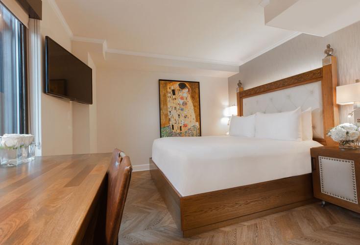 Luxe King Guestroom