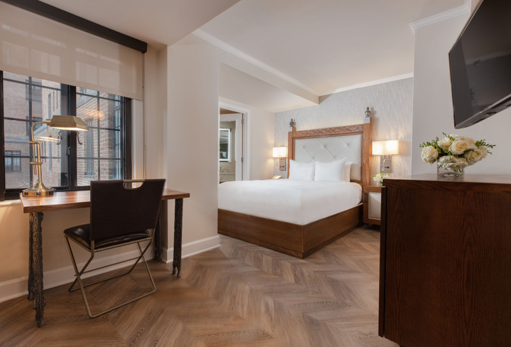 Luxe Queen Guestroom