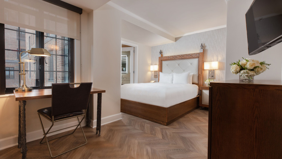 Luxury Hotel Rooms NYC | Luxe Queen Hotel Room