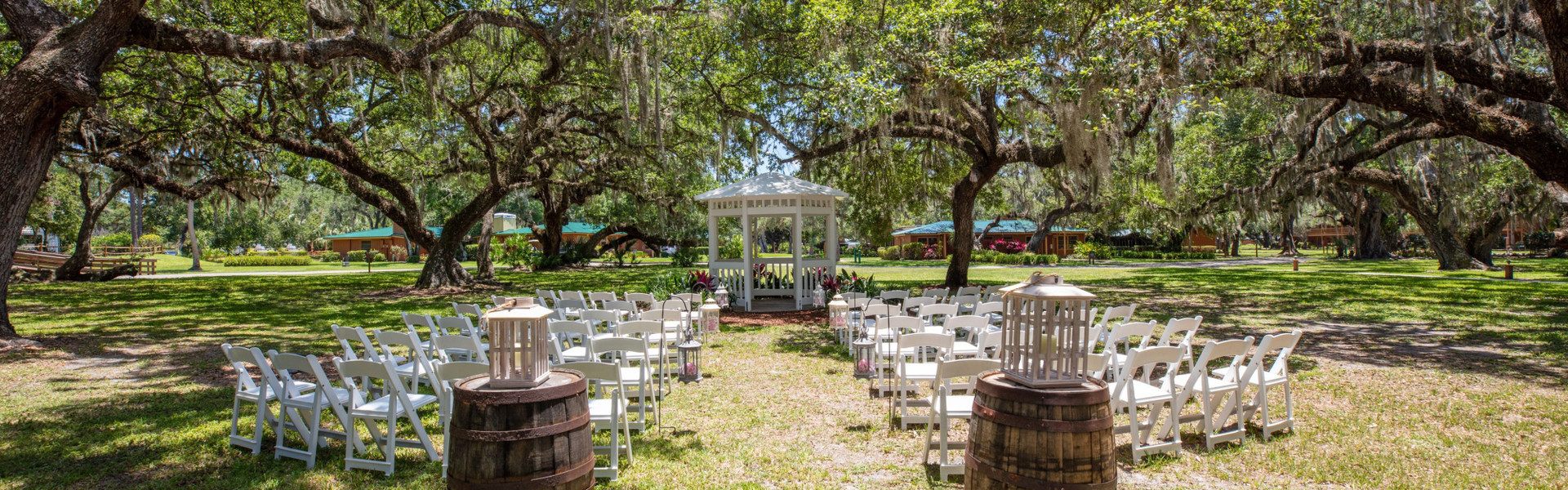 A Country Hotel Wedding Venue With Accommodations On Site In Florida | Country Wedding Setup