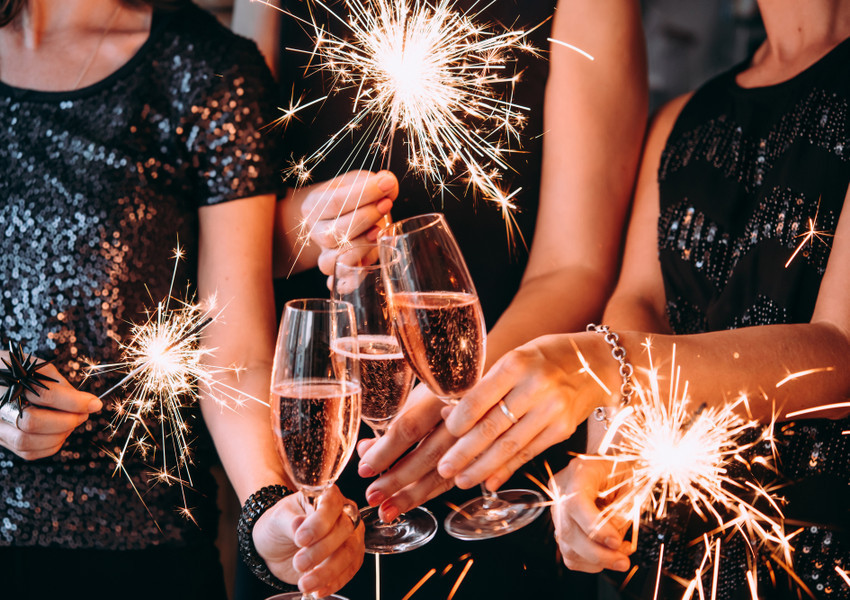 Sparklers Champagne New Years Party NYC | Westgate New York Grand Central