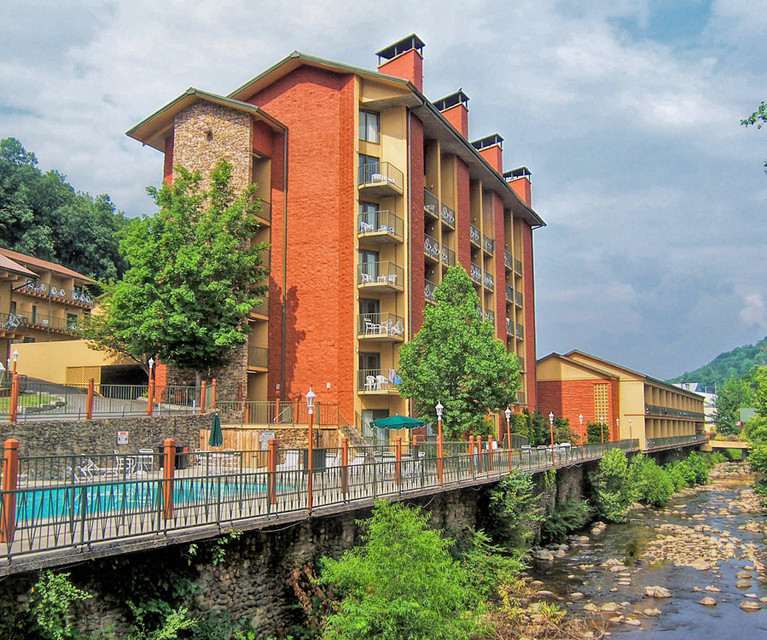 Terraces At Town Center: Hotels Near Gatlinburg Convention Center