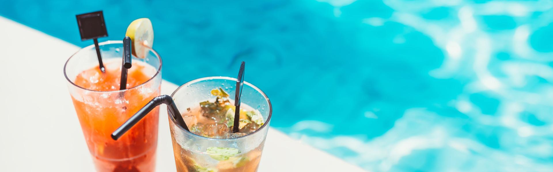 Drinks at Our Pool Bars Near International Drive | Drafts Pool Bar at Westgate Palace Resort | Pool Bars in Orlando Florida 32819