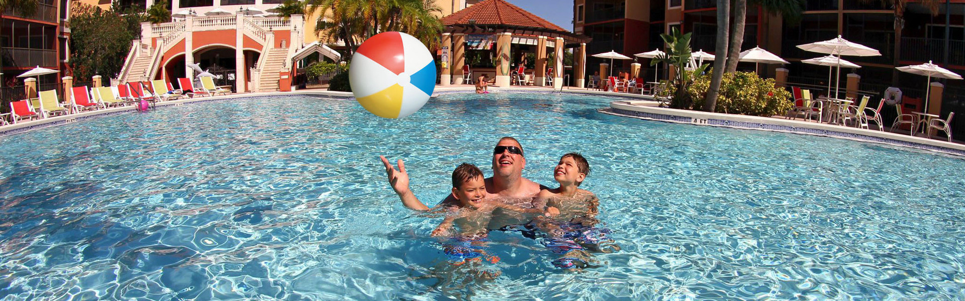Heated Outdoor Pools and Spa Tubs Enjoy the sun and fun you expect on your Orlando vacation getaway with multiple outdoor heated pools, spa tubs, and poolside bars offering made-to-order cocktails and light food options.