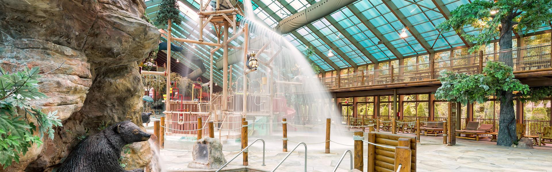 Gatlinburg Resort near the Smoky Mountains | Indoor Waterpark
