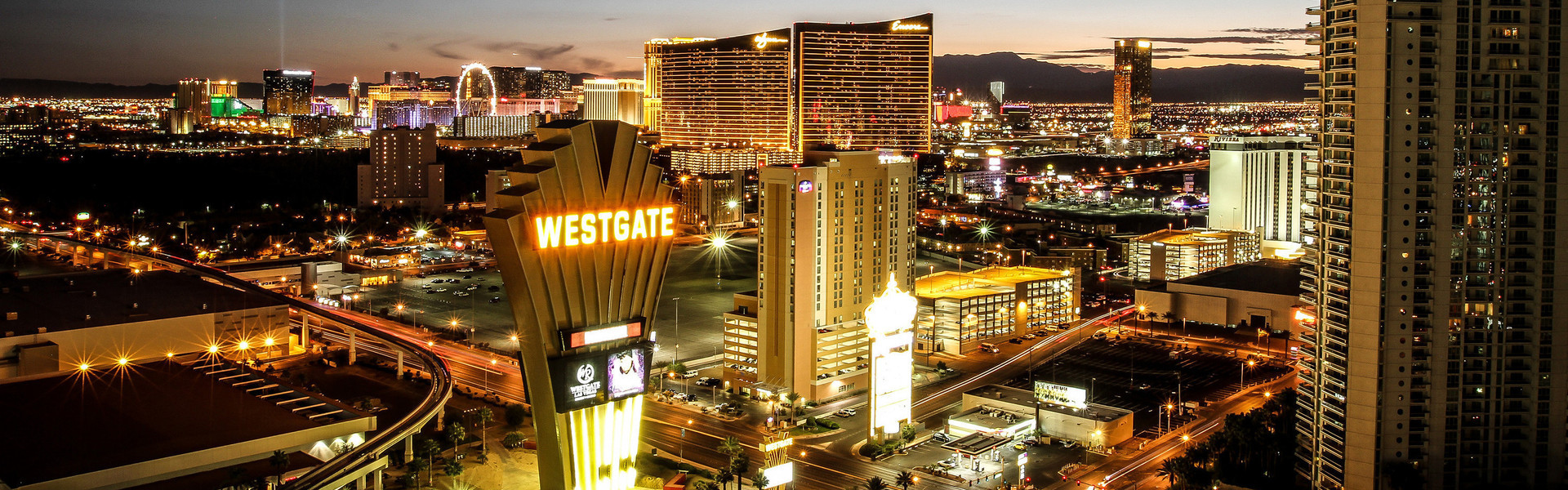 Las Vegas Hotel and Casino with the Best Las Vegas Hotel Deals | Las Vegas Skyline at Night