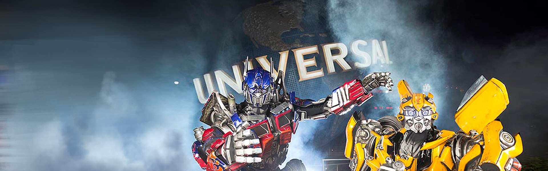 Visiting Transformers in front of Universal from our resorts near Universal Studios Orlando   Discounted Universal Studios Tickets   Specials on Theme Park Tickets