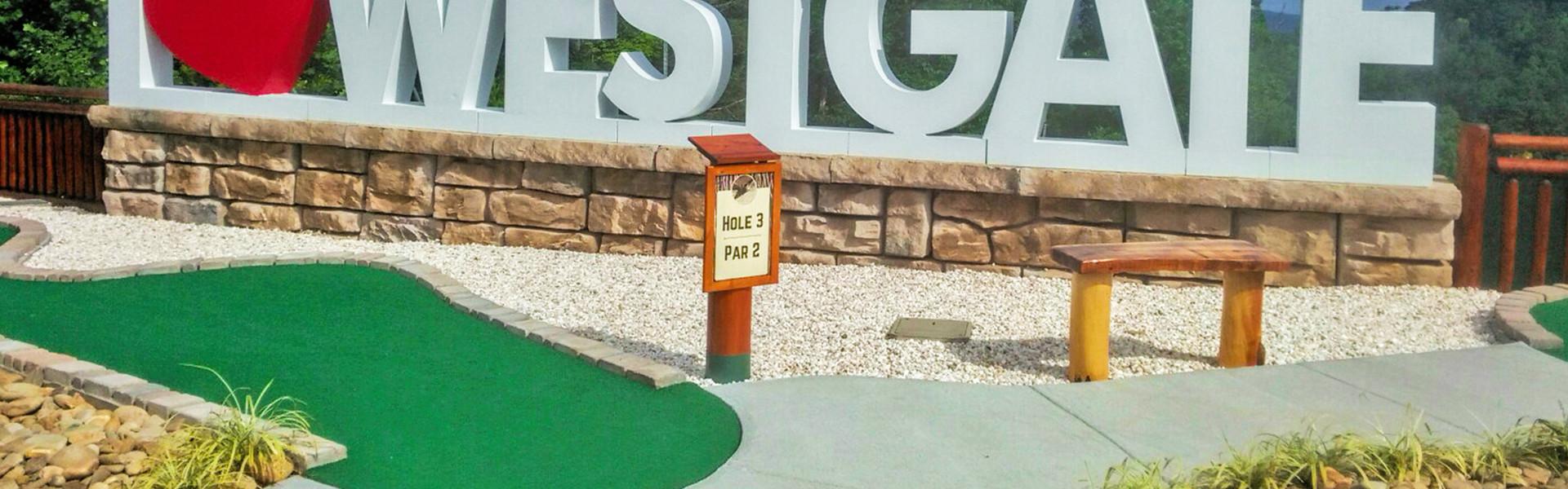 Gatlinburg Mini Golfnear the Smoky Mountains | Mini Golf Course