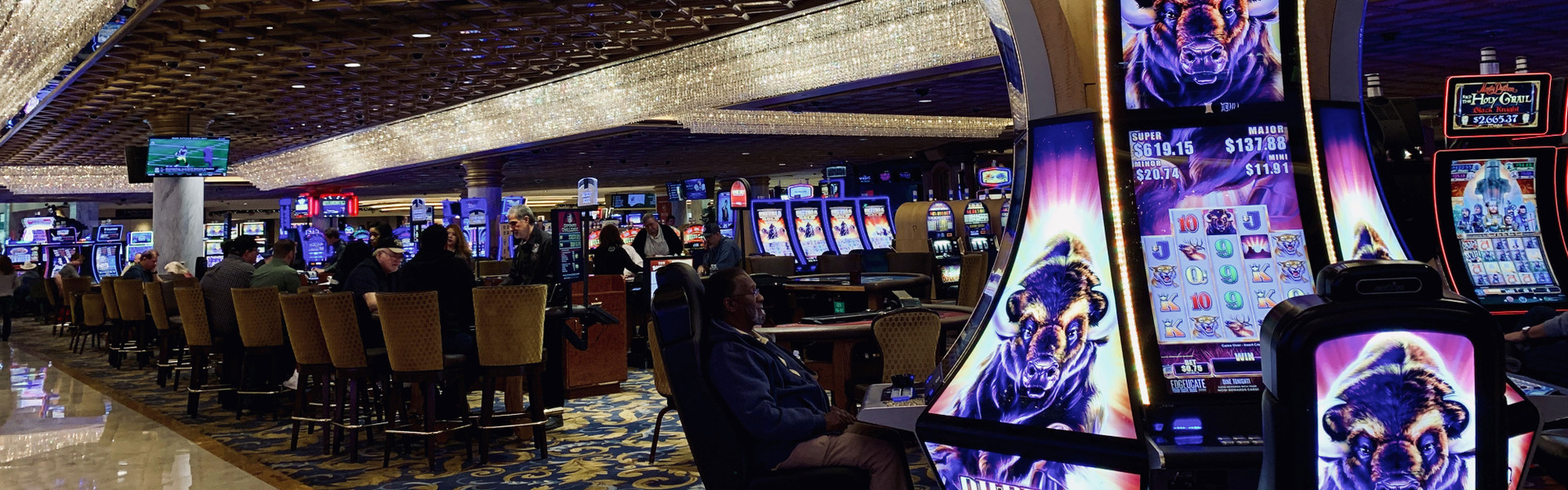Win Big at the Sir Winston Tailgate $40,000 Slot Tournament January 24-26, 2020 at the Westgate Las Vegas Resort & Casino