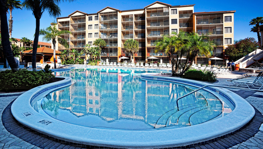 Heated Outdoor Pools and Spas at a Lakefront Orlando Florida Resort | Outdoor Pool | Westgate Lakes Resort & Spa