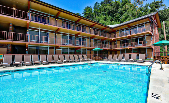 Pool at one of our Pigeon Forge Resorts | Wild Bear Inn | Westgate Resorts in the Smoky Mountains