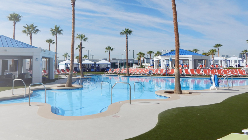 Pool and Cabanas | Westgate Las Vegas Resort