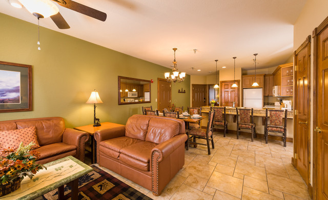 Advance Purchase Hotel Discount at Our Gatlinburg Resort near the Smoky Mountains | Spacious Suite