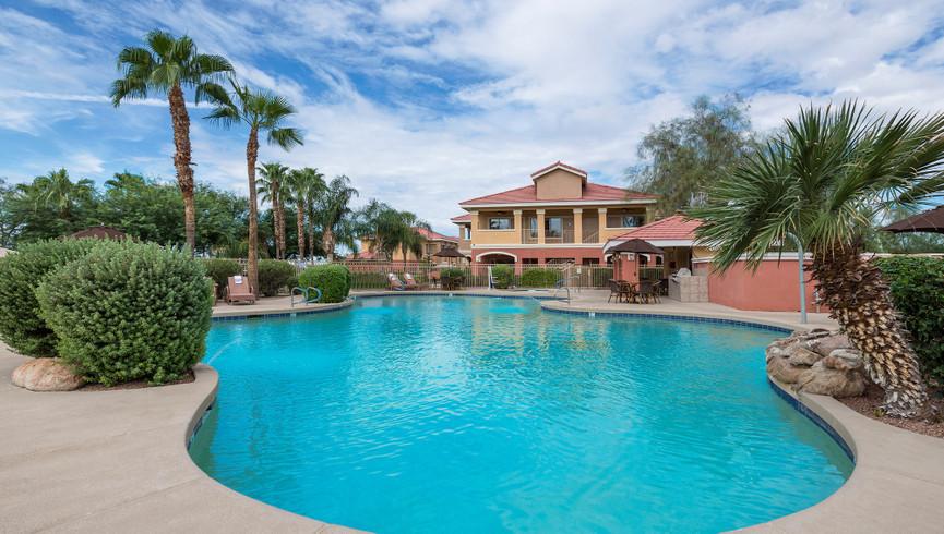 Pool & Hot tubs at Painted Mountain golf resort Mesa AZ | Westgate Painted Mountain Golf Resort | Westgate Resorts