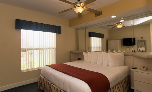 Kissimmee Hotel Florida Resident Discounts   Villa Bedroom