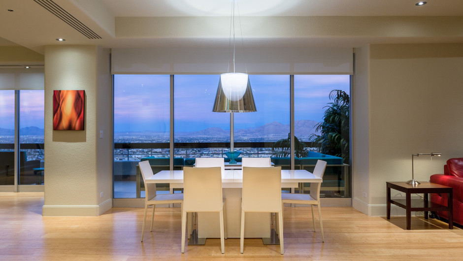 Dining Area with city views in the Desert Suite - Westgate Las Vegas Resort