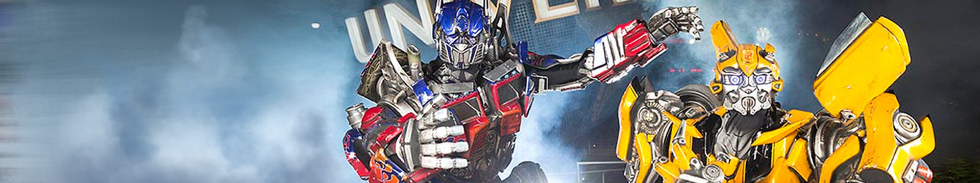 Visiting Transformers in front of Universal from our resorts near Universal Studios Orlando | Discounted Universal Studios Tickets | Specials on Theme Park Tickets