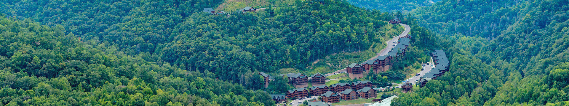 Smoky Mountain Getaways - Gatlinburg Group Lodging