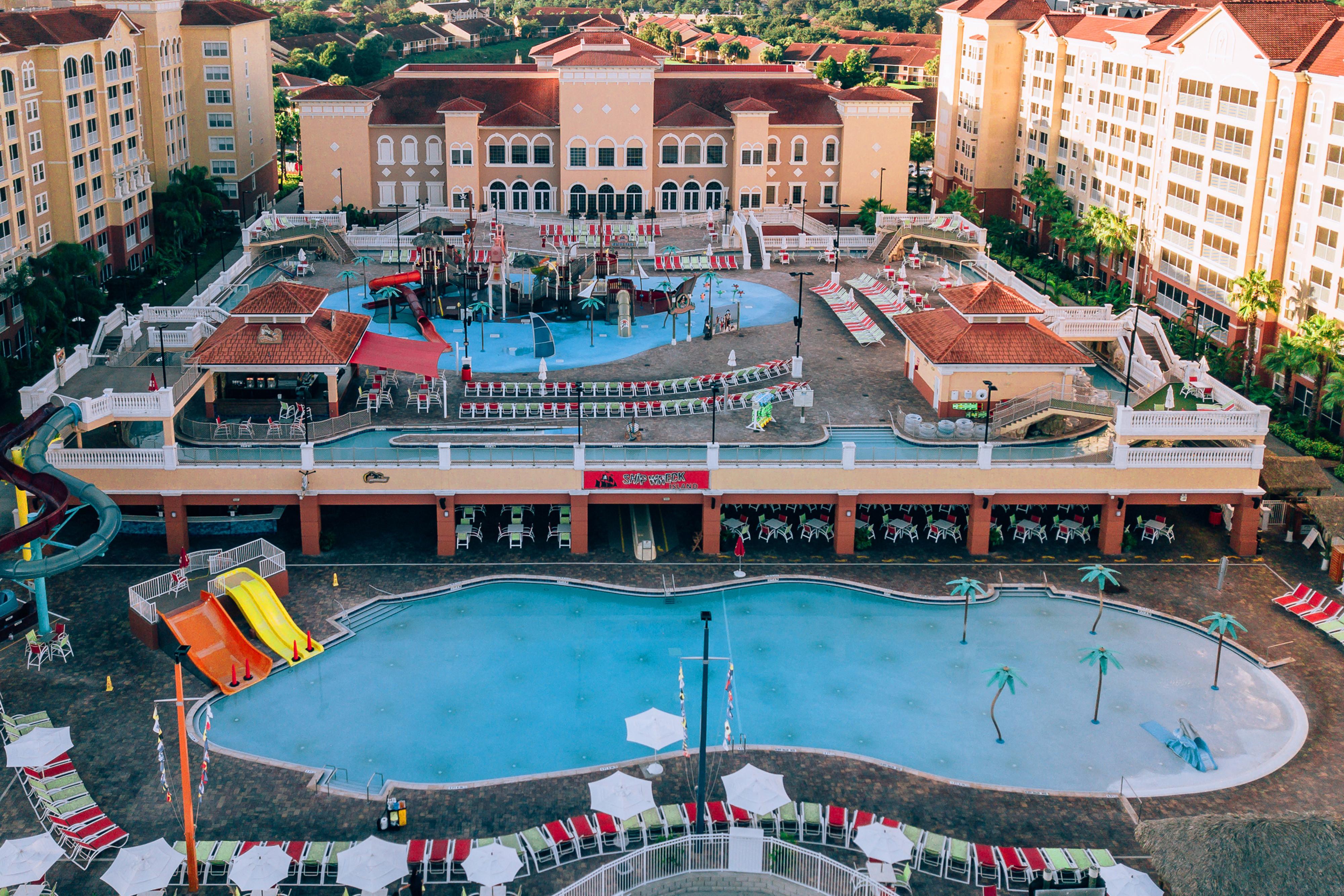 Make A Spash At WaterPark Hotels