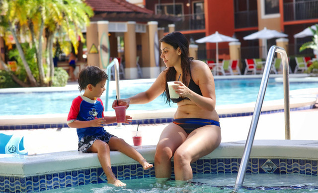 Enjoy the sun and fun you expect on your Orlando vacation getaway with multiple outdoor heated pools, spa tubs, and poolside bars offering made-to-order cocktails and light food options.