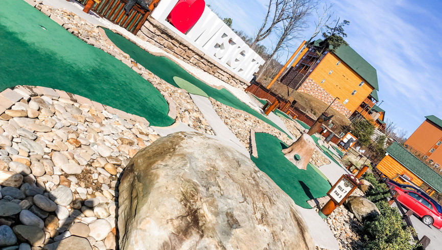 Gatlinburg Mini Golf near the Smoky Mountains | Minigolf Course