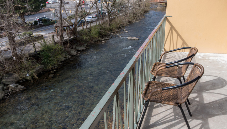 Balcony in the Signature King Riverview Room | River Terrace Resort