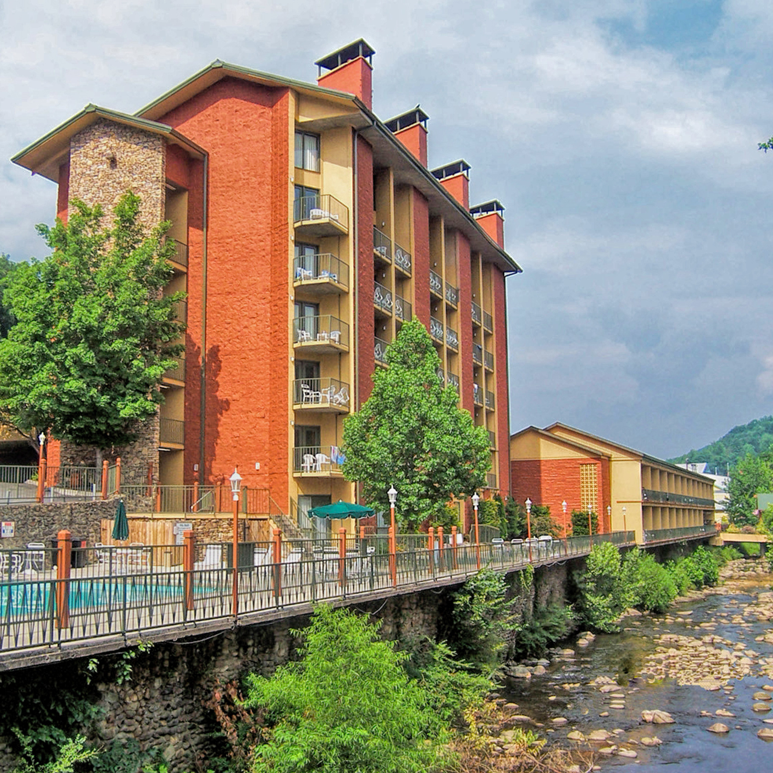 Download Your Favorite River Terrace Resort Wallpaper HERE!