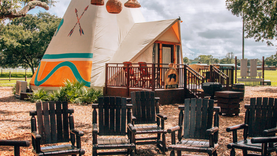 Luxe Teepee Room - Westgate River Ranch Resort & Rodeo