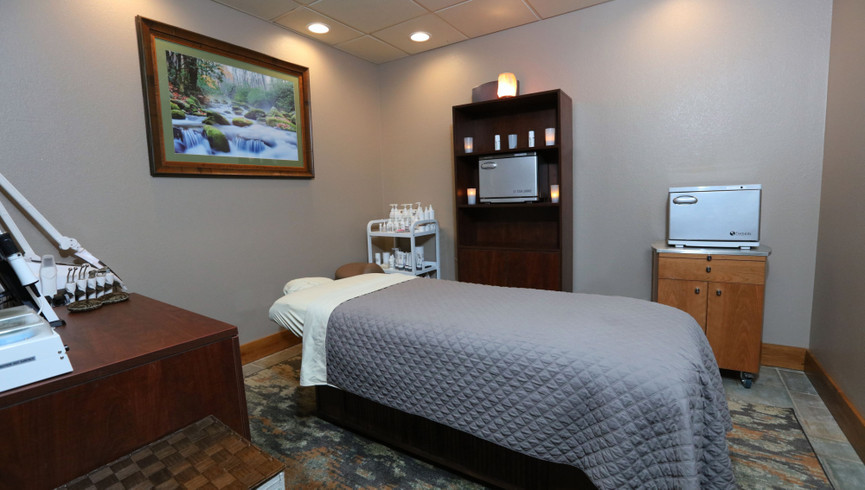 Massage Room in Serenity Spa By Westgate - Westgate Smoky Mountain Resort