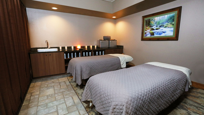 Dual massage tables - Westgate Smoky Mountain Resort