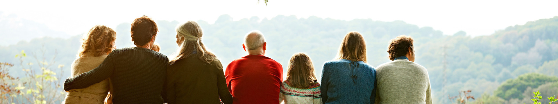 The Best Resort Near For Branson Family Reunions - family looking at a mountain landscape