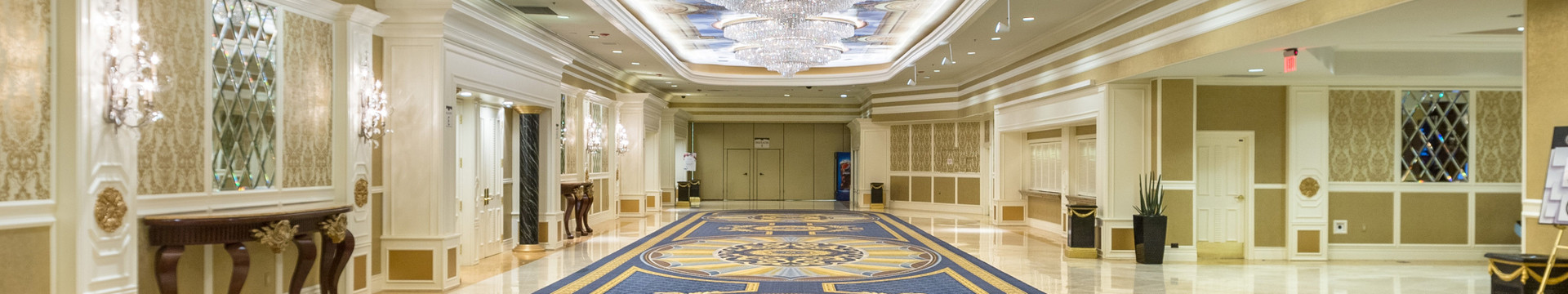 How far is Westgate Las Vegas Resort from Las Vegas convention center?