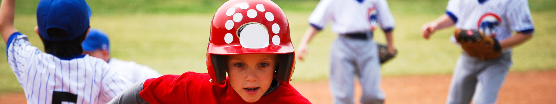 Make Your Next Sports Hotel A Touchdown In Branson  - kids playing baseball