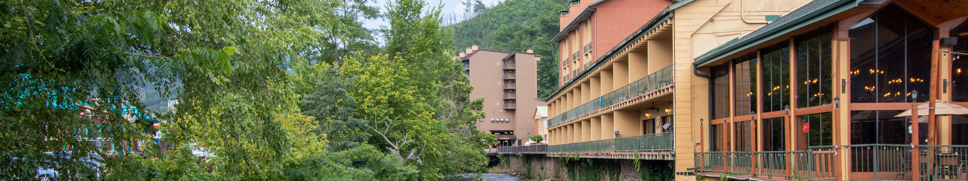 Does River Terrace Resort & Convention Center offer free Wi-Fi - River Terrace Resort & Convention Center