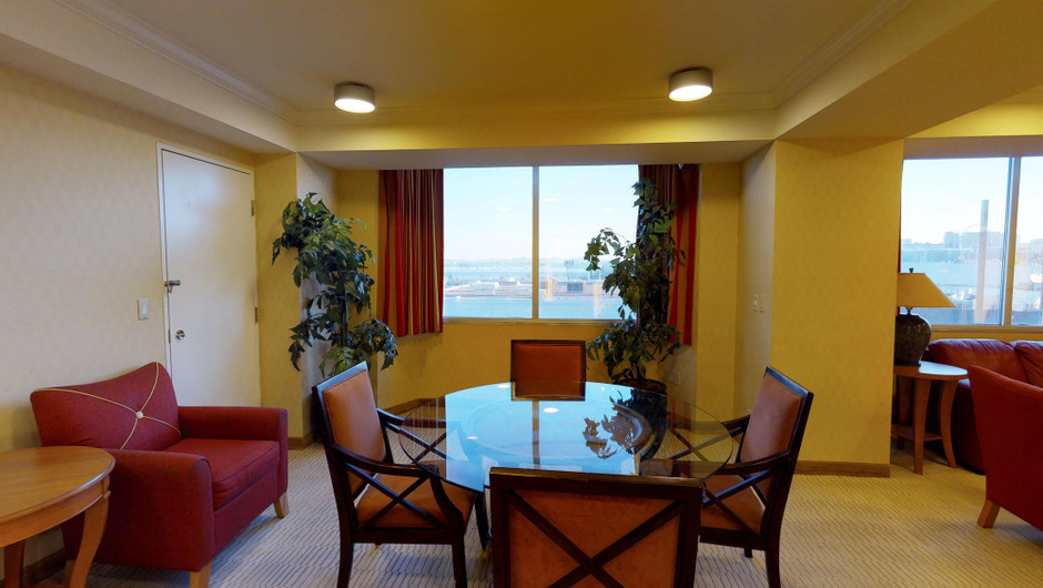 Deluxe one bedroom suite dining room area | Westgate Las Vegas