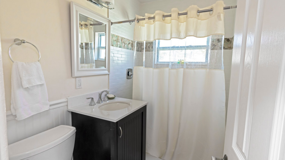 Bathroom in the Hawksbill Suite - Sea View Inn