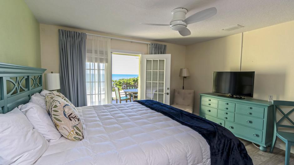 Master Bedroom with ocean views in the Coastal Suite - Sea View Inn