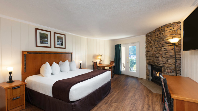 Accommodation Option -  river-view-king-room
